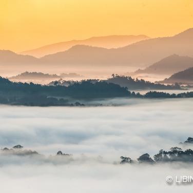 sunrise danum valley